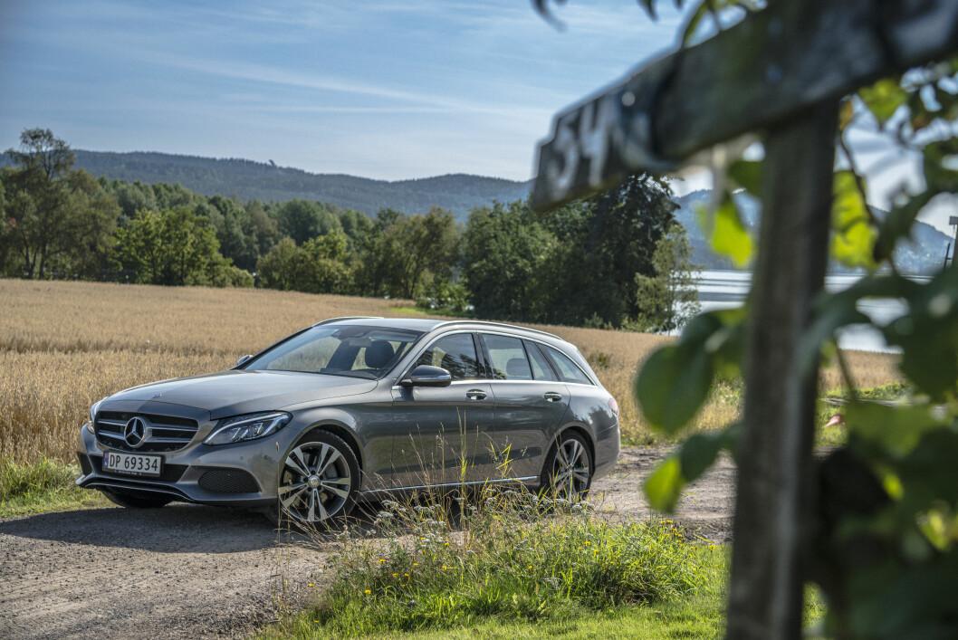 <strong><b>RØVERKJØP:</strong></b> Dersom ikke Mercedes foretar en prisjustering, vil hybriden C 350 e koste latterlig lave 455.000 kroner Foto: JAMIESON POTHECARY