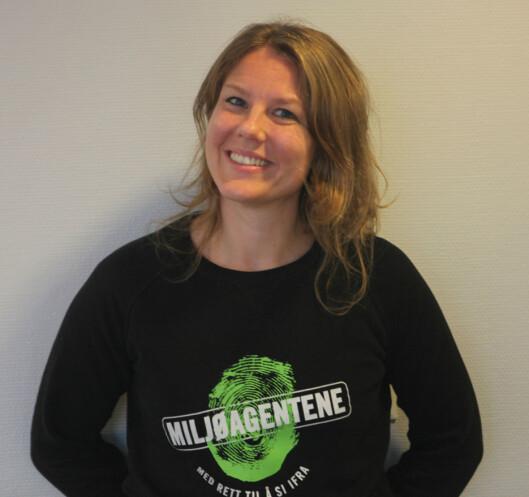 <strong><b>FORNØYD:</strong></b> Anniken Schwamborn og resten av Miljøagentene er glade for at nordmenn har blitt flinkere til å resirkulere de gamle mobiltelefonene sine. Foto: Rasmus Baastø Norsted/Miljøagentene