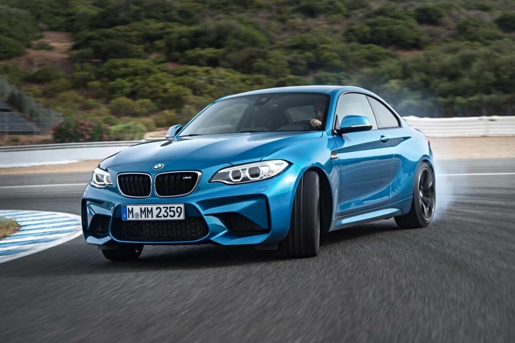 <b>BIL-FEST!</b> Endelig kommer BMW med en kompakt M igjen, og lover en 370 hesters kompakt gledesspreder. Det vil glede entusiastene som mente M3 i de siste generasjonene var blitt for stor, tung og «borgelig». Foto: BMW