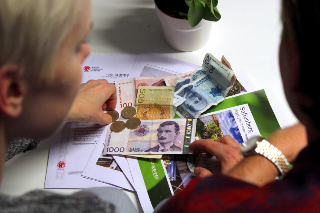 <b>300.000 KR:</b> Regjeringen vil at unge skal kunne spare opptil 300.000 kroner i BSU, men er det sannsynlig at de klarer å spare såpass mye? Foto: OLE PETTER BAUGERØD STOKKE