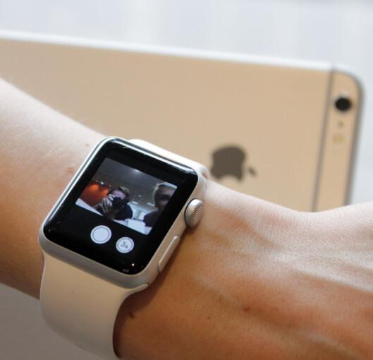 <strong><b>SE MOTIVET:</strong></b> Du kan bruke Apple Watch som søker for ditt iPhone-kamera. Foto: OLE PETTER BAUGERØD STOKKE