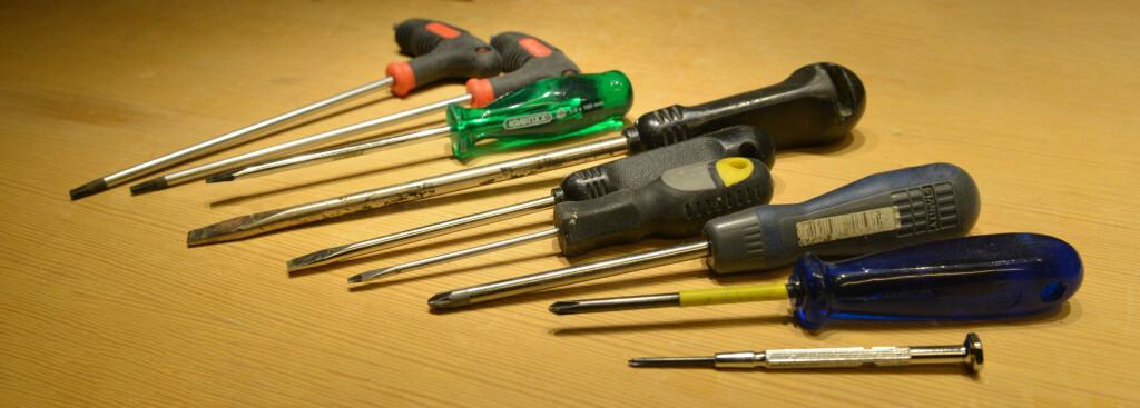 SKRUTREKKER: Det er mange slags skruer og tilsvarende mange skrutrekkere. Men det finnes et godt alternativ.  Foto: BRYNJULF BLIX