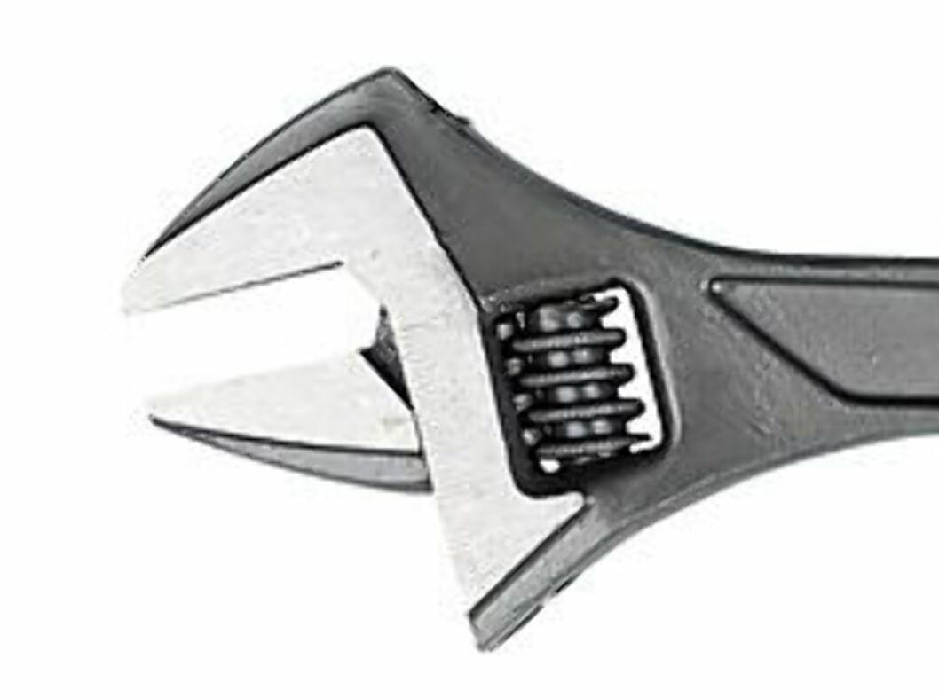 <strong><b>SKIFTENØKKEL:</strong> </b> Tydlig skala i millimeter. Håndtak med myke grep. 129 kroner. Foto: CLAS OHLSON