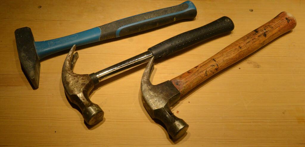 HAMMER: Selv om det meste festes med skruer eller lim i disse dager, må man likevel ha en hammer. Foto: BRYNJULF BLIX