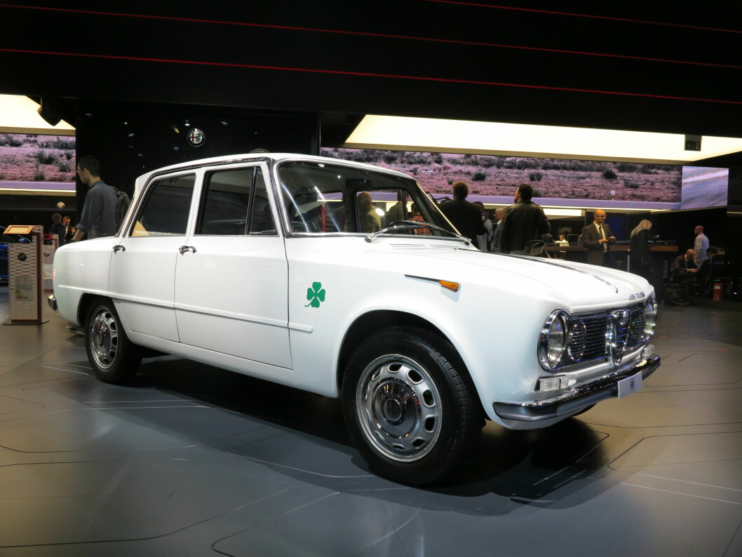 <strong><b>INSPIRATOR:</strong></b> Alfa Romeo Giulia TI Super fra 1964 - demonstrerer Alfas arvestoff og prydes av det sportslige emblemet Quadrifoglio Verde. Foto: FRED MAGNE SKILLEBÆK