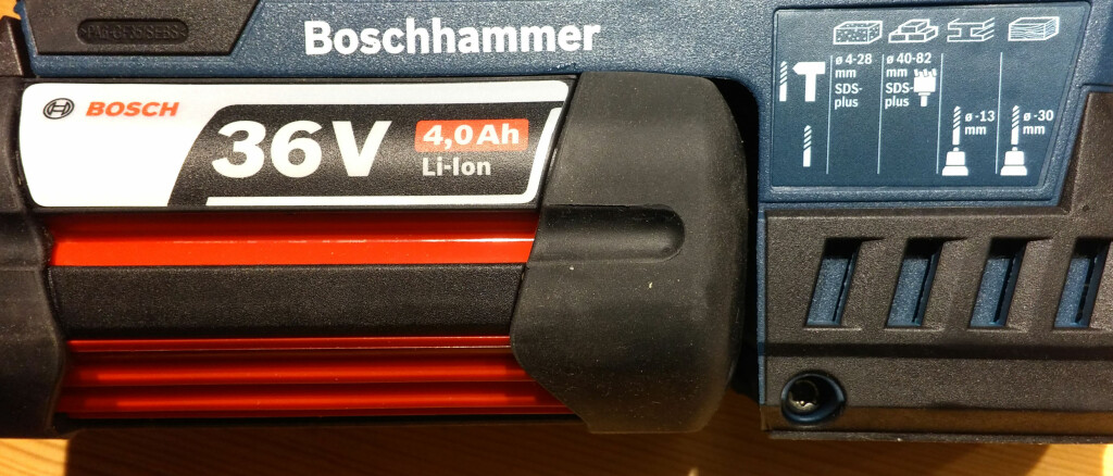 KRAFTPAKKE: 36 volt og 4Ah gir godt med krefter til større jobber. Med to batterier og en rask lader får du jobbet kontinuerlig. Foto: BRYNJULF BLIX
