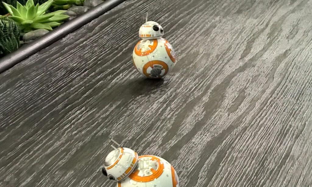 image: Disse Star Wars-robotene skal passe på huset ditt