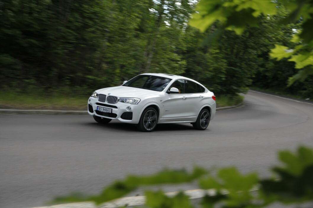 <strong><B>BAYERSK BARSKING:</strong> </B>BMW X4 er mye nettere og mindre vulgær en storebror X6. Med M Sport-pakke får du lakkerte skjermbreddere og et enda røffere design.  Foto: Espen Stensrud / Autofil