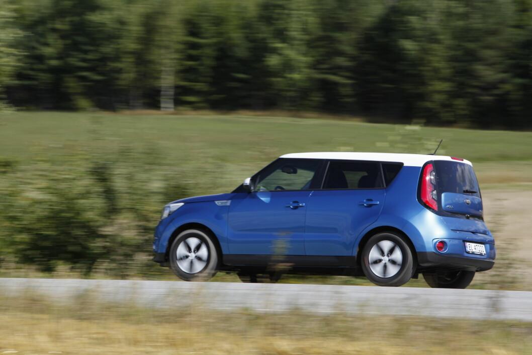 <strong><b>KIA NORGE:</strong></b> Importerer flere biler for å korte ned ventetiden. Foto: Espen Stensrud / Autofil