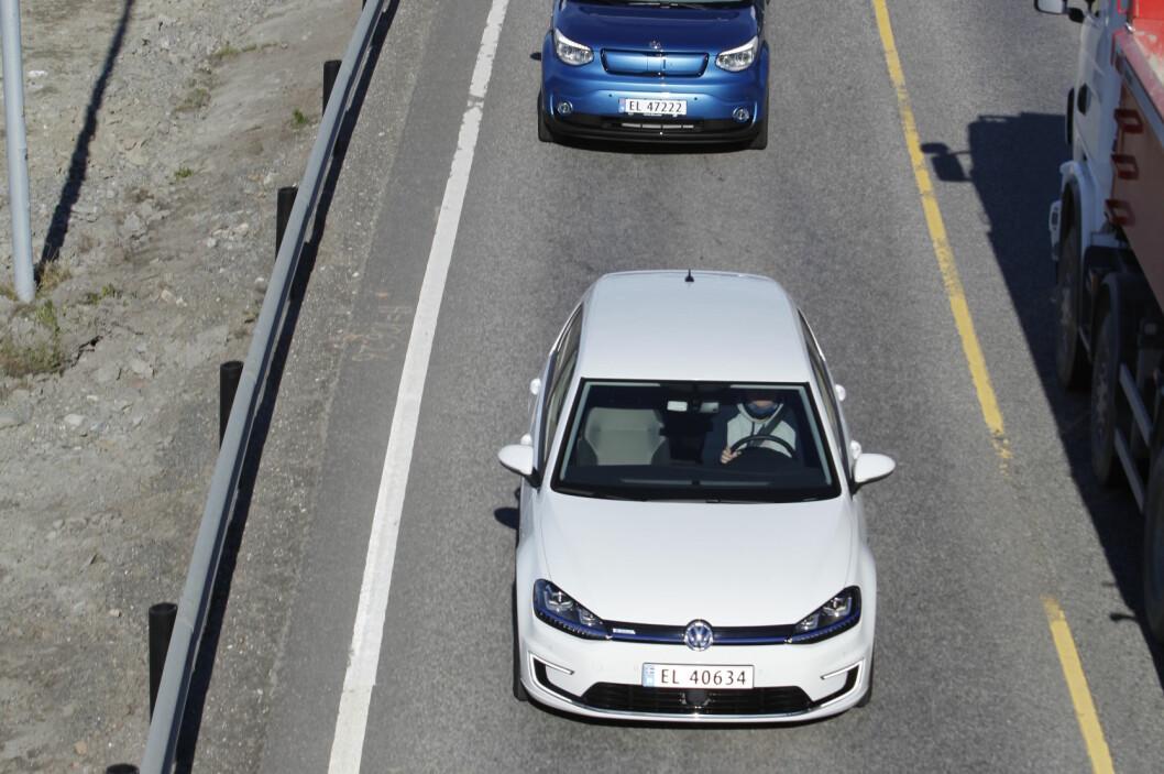 <strong><b>KAN TA TID:</strong></b> Det kan ta tid å hjelp få dersom du går tom for strøm langs veien.  Foto: ESPEN STENSRUD