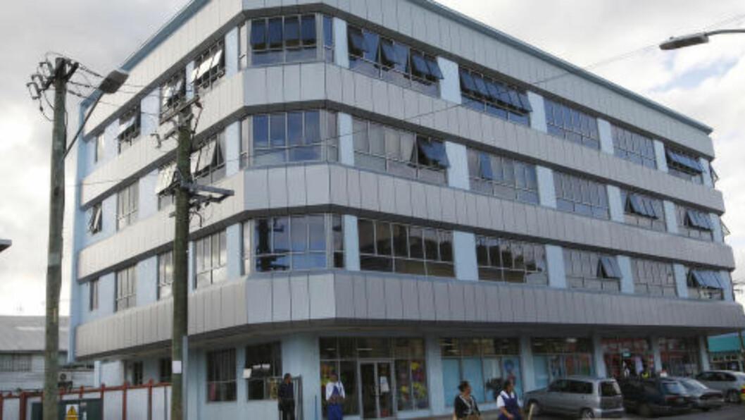 <strong>INVESTERING:</strong> Kina er blitt kjent for å investere i utviklingsland. Blant annet har dette bygget i hovedstaden Nuku'alofa blitt ført opp ved hjelp av kinesisk kapital. Foto: (AP Photo/Nick Perry)
