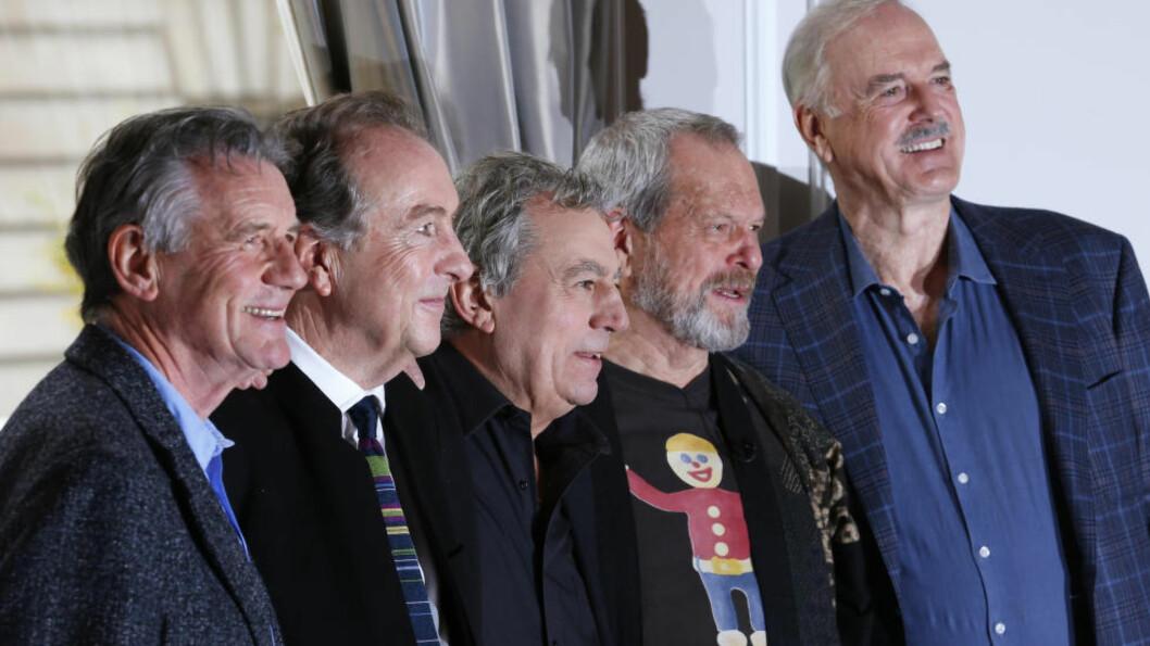 <strong>GJENFORENT:</strong> Monty Python på pressekonferansen da showet «Monty Python Live (mostly)» ble annonsert: Michael Palin, Eric Idle, Terry Jones, Terry Gilliam og John Cleese. Foto: Andrew Winnings, Reuters