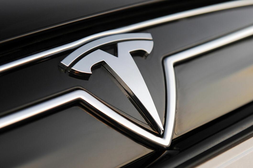 <strong><b> MÅ ENDRE:</strong></b> Forbrukerombudet mener Tesla villeder kundene sine når de trekker fra det de sparer på bensin og vedlikehold i prisoverslaget sitt.