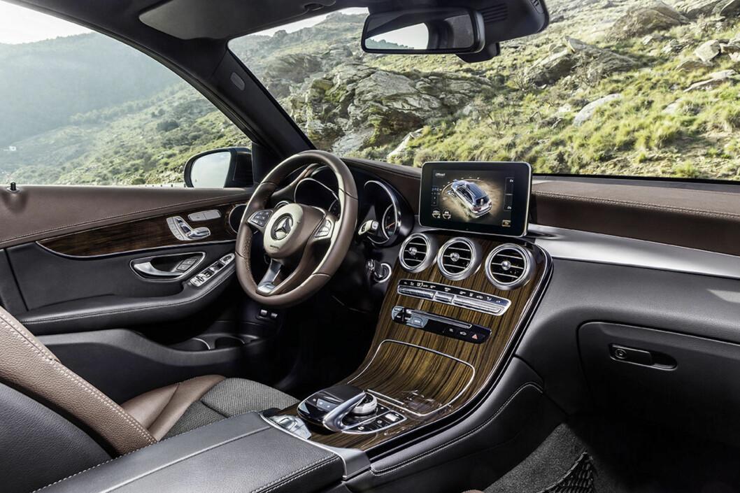 <strong><b>ANTI BMW-VÅPEN:</strong></b> Med nye GLC håper Mercedes-Benz å stå mye bedre rustet i kampen mot erke-konkurrenten BMW X3. Det er ingen tvil om at det er lagt mye arbeid i å tiltrekke kunder som ønsker luksusfølelse og prestisje. Foto: DAIMLER