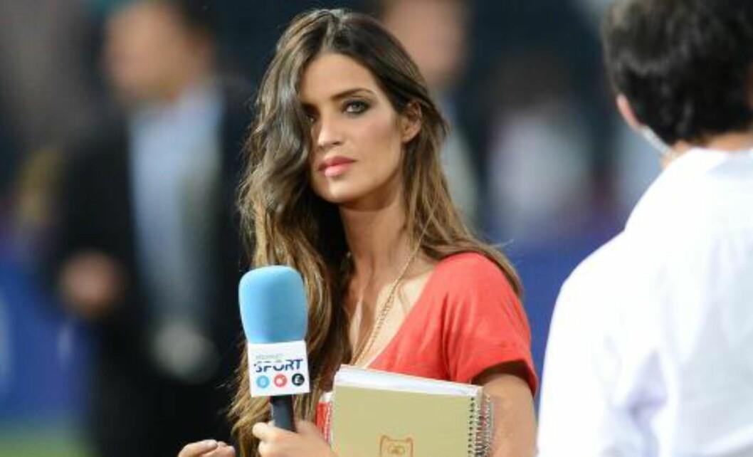 <strong>KJÆRESTEN:</strong> Sara Carbonero har vært sammen med Casillas siden 2009. Foto: AFP PHOTO / FRANCK FIFE