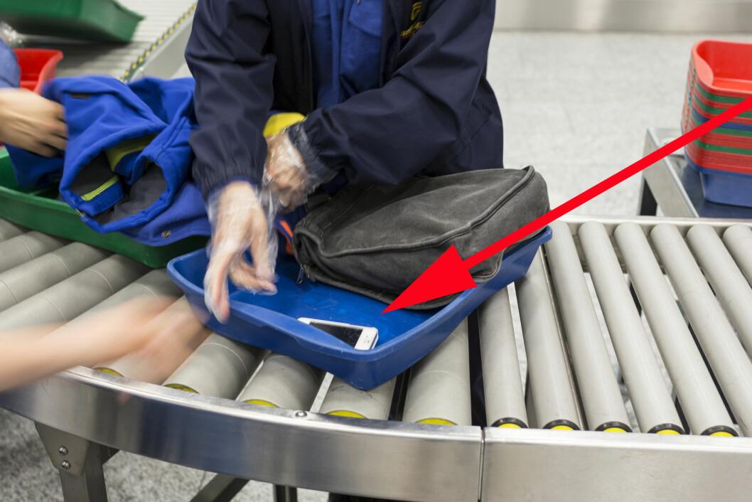 <strong><b>ØKNING I TYVERIER PÅ FLYPLASSEN:</strong></b> Ikke la klokker og verdisaker ligge synlig i boksene gjennom sikkerhetskontrollen, legg dem heller under noe annet. Og hold øynene på bagasjen din til enhver tid, oppfordrer Oslo Lufthavn. Foto: KEYSTONE/NTB SCANPIX