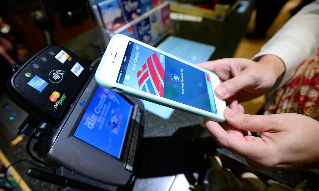 APPLE PAY TIL NORGE: Apple vil lansere mobilbetalingen Apple Pay i Norge, forteller administrerende direktør Tim Cook. Foto: NTB Scanpix