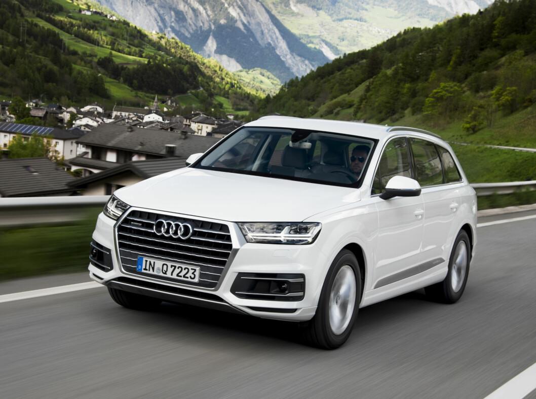 <strong>Audi Q7:</strong> Audi går motstrøms og har valgt dieselmotor i deres nye ladbare Q7. Oppgitt forbruk er 0,17 liter per mil.  Foto: Fred Magne Skillebæk
