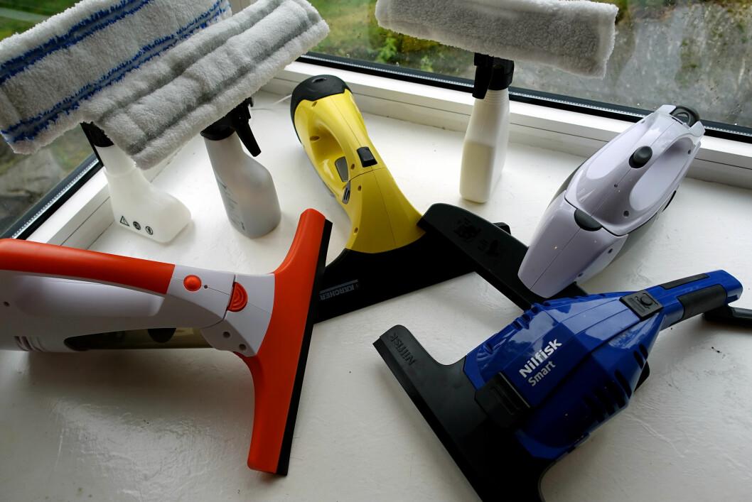 <strong><b>TEST AV VINDUSVASKERE:</strong></b> Vi har testet vindusvaskere fra Rusta, Clas Ohlson, Nilfisk og Kärcher. Og det er STORE forskjeller! Foto: KRISTIN SØRDAL
