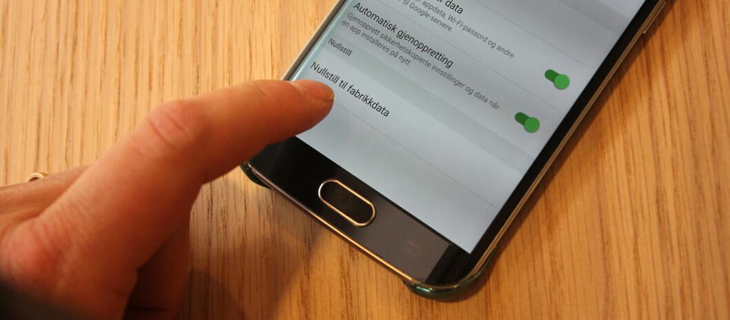 <strong><strong>IKKE NOK:</strong></strong> En britisk studie viser at det ikke er nok å nullstille Android-telefonen om du vil sikre at dataene ikke kan gjenopprettes. Foto: PÅL JOAKIM OLSEN