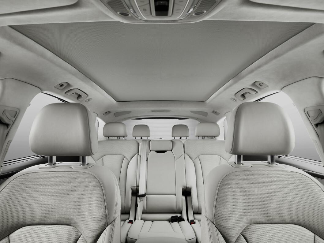 <strong><b>GOD PLASS:</strong></b> Det er god plass for alle passasjerer, og andre seterad kan lengdejusteres på skinner.   Foto: Audi