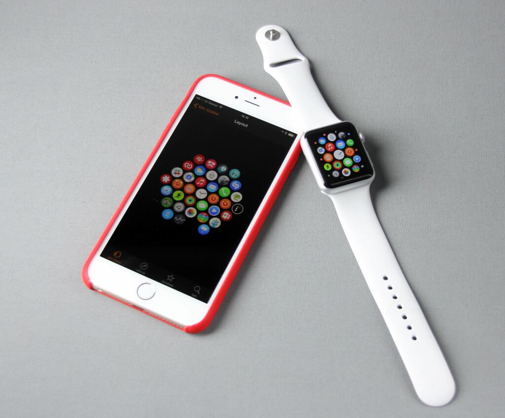KREVER IPHONE: Du er nødt til å ha en iPhone for å bruke Apple Watch. Fra den kan du også endre plasseringen av appene på hjemskjermen og gjøre andre innstillinger. Foto: PÅL JOAKIM OLSEN