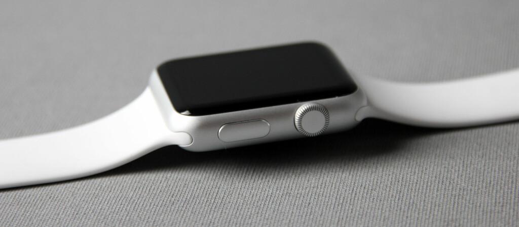 <strong>FØRSTE FORSØK:</strong> Apple Watch er selskapets første smartklokke. Foto: PÅL JOAKIM OLSEN