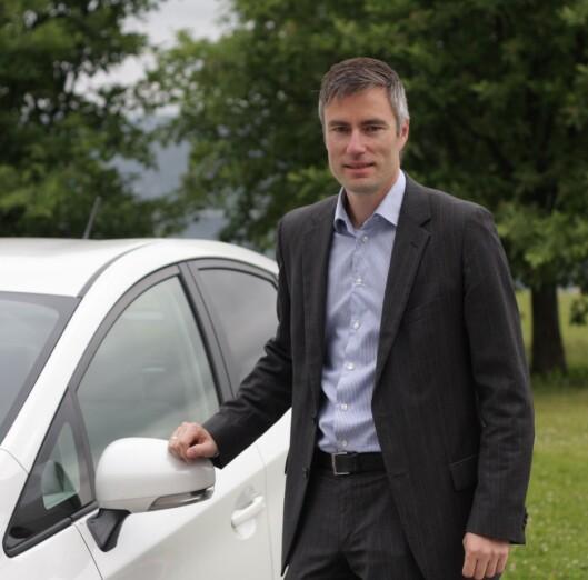<strong><b>IKKE BEKYMRET:</strong></b> Toyotas informasjonssjef i Norge, Espen Olsen, er ikke bekymret for hva som vil skje med RAV4. Foto: TOYOTA