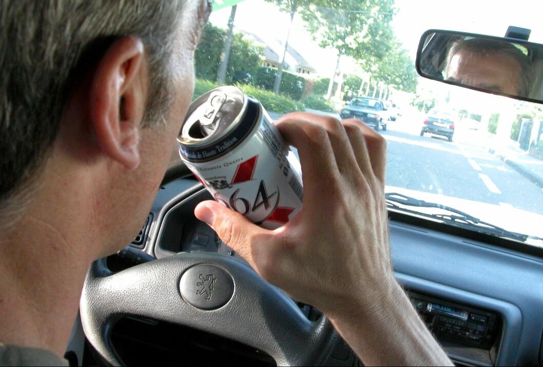 <strong><b>IKKE BARE ALKOHOL:</strong></b> De fleste assosierer ruspåvirket kjøring med alkohol, men sterke medikamenter er vel så farlig og en stor fare for trafikksikkerheten.  Foto: Colorbox