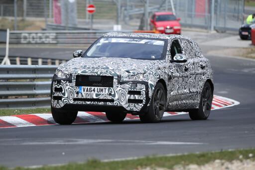 HARD TESTING: På Nürburgring tester Jaguar chassiset på nye modeller.  Foto: AUTOMEDIA