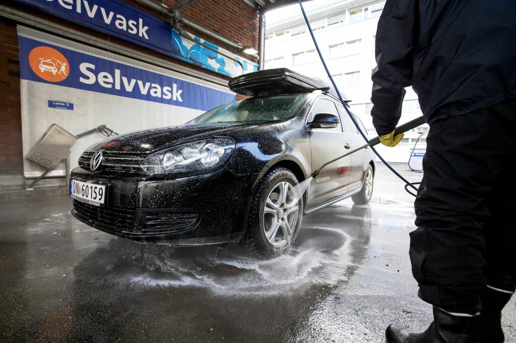 Hvordan vaske bilen? - Med en slik bilvask blir bilen vårklar - DinSide
