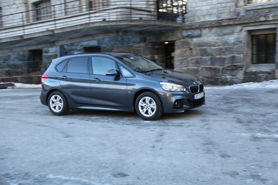 <strong><b>FLERBRUKSDESIGN:</strong> </b>Du er aldri i tvil om at dette er en BMW. Likevel er det heller delte meninger om hvor bra  designet på 2-serie Active Tourer faktisk er.  Foto: RUNE NESHEIM / AUTOFIL