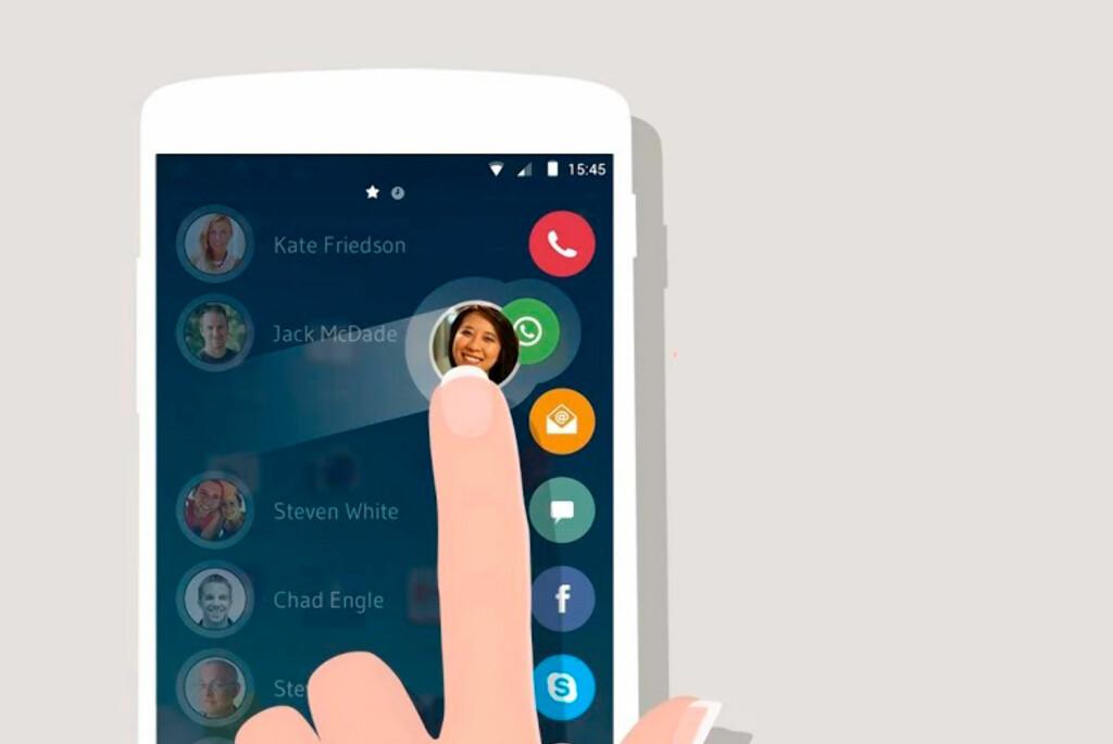 <strong>ENKELT:</strong> Sveip inn fra siden og sveip kontakten over ønsket ikon for å sende melding eller ringe. Foto: DRUPE