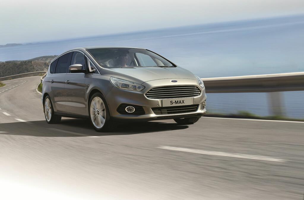 <b>TEKNOLOGI-LOKOMOTIV:</b> Nye Ford S-Max gjør en mengde avansert teknologi tilgjengelig for familier med behov for god plass og fleksible løsninger. Den kan blant annet holde fartsgrensen for deg... Foto: FORD