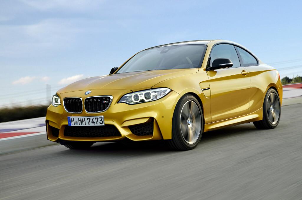 <b>NY RÅTASS:</b> Det forventes at BMW vil vise frem sin nye M2 i Frankfurt i september. Bilen vil antakelig få 370 hester og et dreiemoment på hele 500 Nm. Foto: AUTOMEDIA