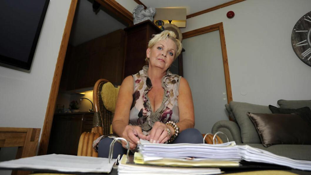 <strong>BLE RUSAVHENGIG:</strong> Grethe Iversen (50) mener legene gjorde henne til narkoman. Hun fikk utskrevet enorme mengder morfinliknende preparater og andre, tunge medikamenter i flere år. Foto: FRIDGEIR WALDERHAUG