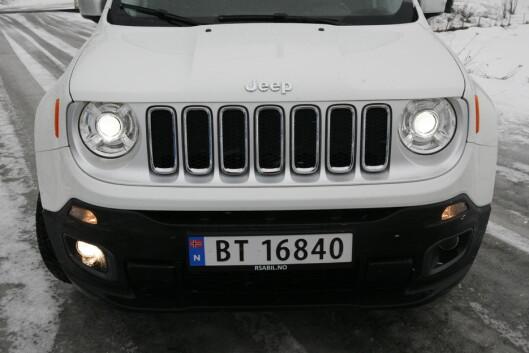 <strong><b>TØFFING:</strong></b> Grillen er lik på alle Jeep-modeller.  Foto: KNUT ARNE MARCUSSEN