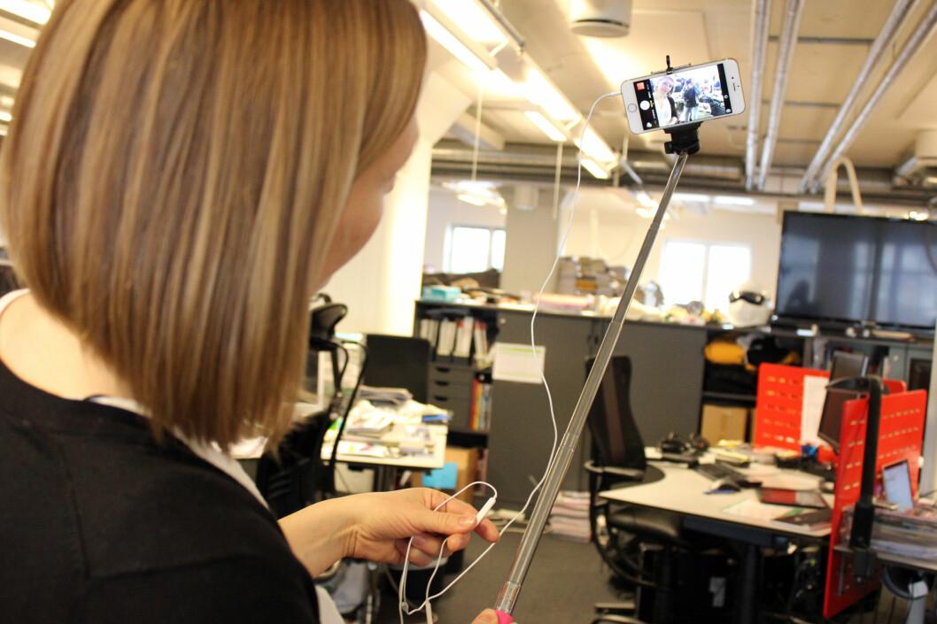 <strong><b>BRUK ØREPROPPENE:</strong></b> Så slipper du å strekke armen bort på mobilskjermen for å ta bilde. Foto: KIRSTI ØSTVANG