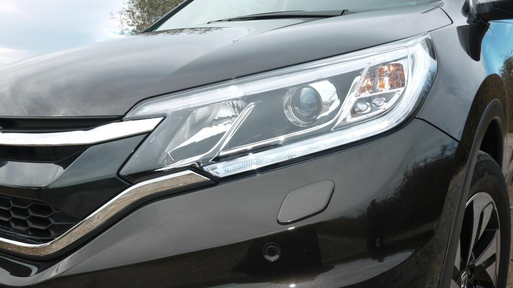 <strong><b>BREDERE UTTRYKK:</strong></b> CR-V har fått et bredere uttrykk enn før, noe som kler bilen.  Foto: LORD ARNSTEIN LANDSEM