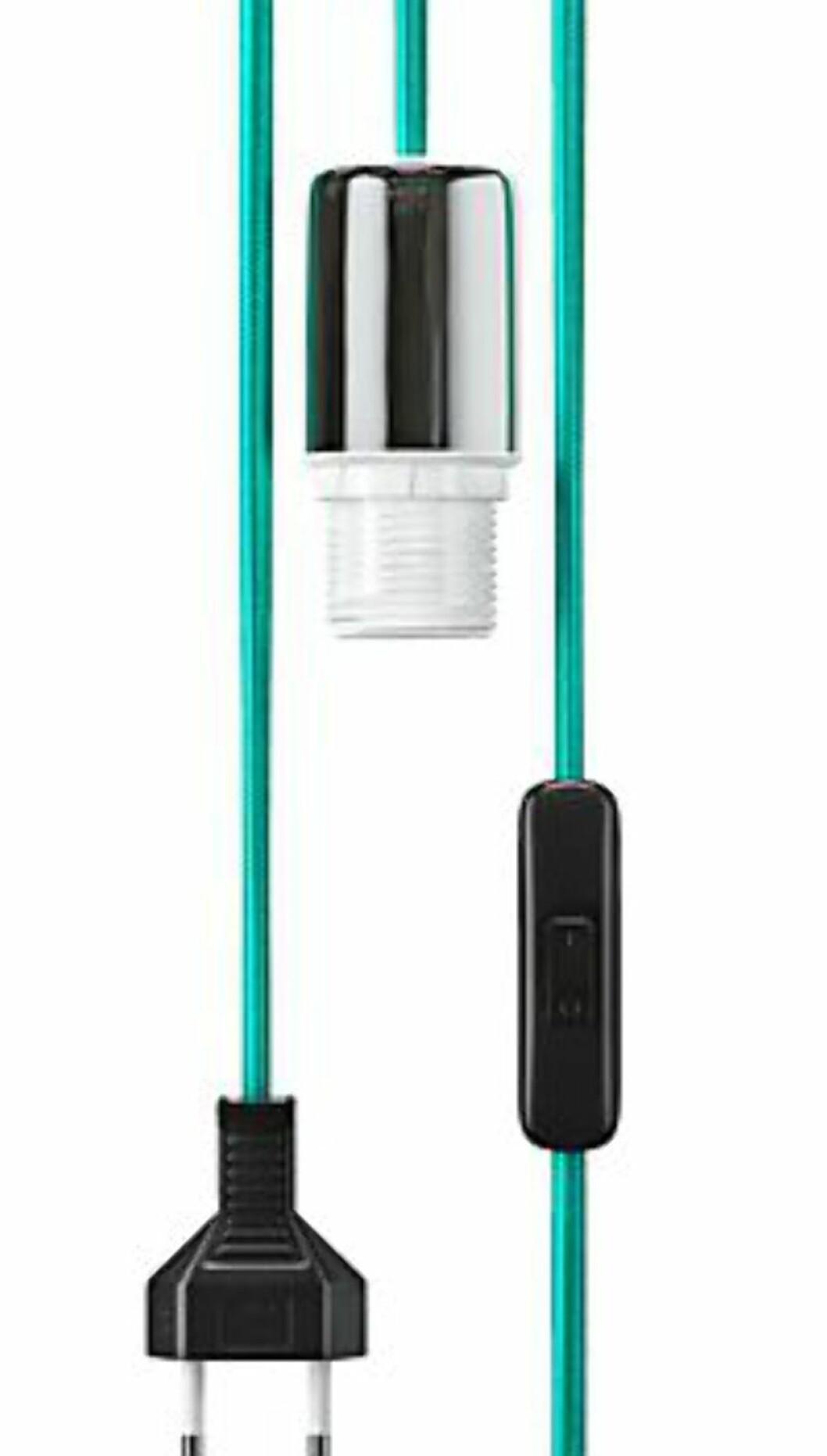 <strong><b>FARGERIK LAMPELEDNING:</strong></b> Dette er en av mange varianter med strofftrukket lampeledninger som finnes på markedet. Colours fra North Light. Koster 69 kroner hos Clas Ohlson. Foto: CLAS OHLSON
