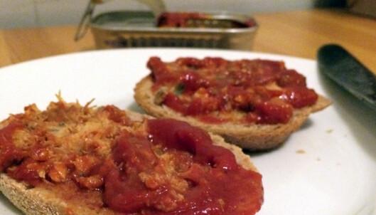 Smakstest av makrell i tomat