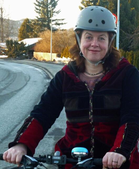 <strong><b>IKKE VEIEN Å GÅ:</strong></b> Hulda Tronstad i Syklistenes landsforening mener at en obligatorisk registrering av syklister ville redusert syklingen dramatisk. Foto: SYKLISTENES LANDSFORENING
