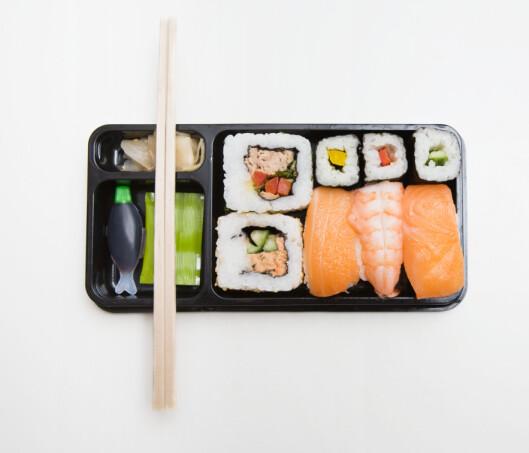 <strong><b>TILBEHØR:</strong></b> Sushi serveres med soya (i fiskeflaske), wasabi (i liten pose) og syltet ingefær. Foto: ALL OVER PRESS