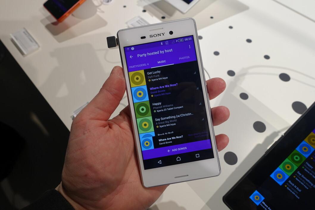 <strong><strong>VANNTETT:</strong></strong> Mellomklassetelefonen Xperia M4 Aqua fra Sony blir en prisgunstig modell som også er vanntett. Foto: PÅL JOAKIM OLSEN