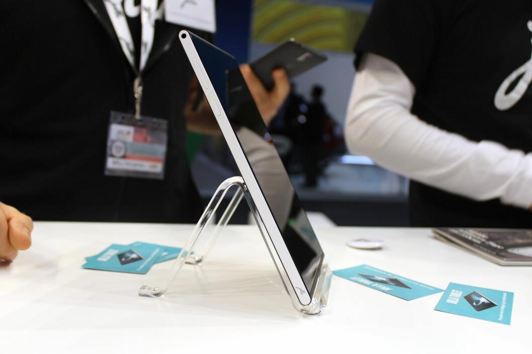 <strong><b>SLANK OG LEKKER:</strong></b> Jolla Tablet har en enkel, men pen design. Foto: KIRSTI ØSTVANG