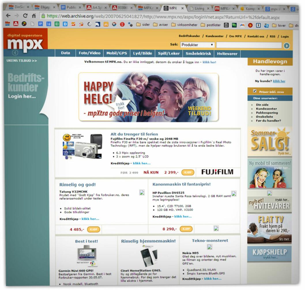 <strong><b>GAMMEL TRAVER:</strong> </b>Slik så MPX.no ut det året Komplett-gruppen tok over, i 2007. Hentet fra Archive.org. Foto: OLE PETTER BAUGERØD STOKKE