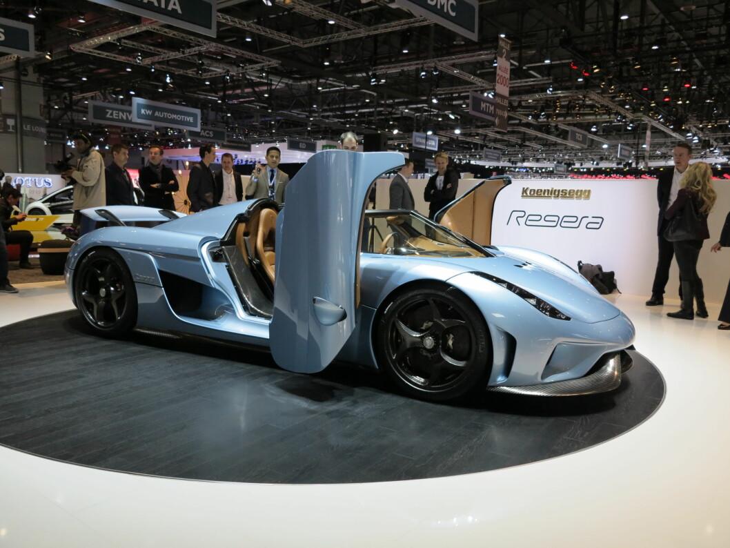 <strong><b>SØSKENLIKHET:</strong></b> Selv om Koenigsegg er innovatie som få, ser man likevel tydelig likhetstrekk mellom de ulike modellene. Foto: FRED MAGNE SKILLEBÆK