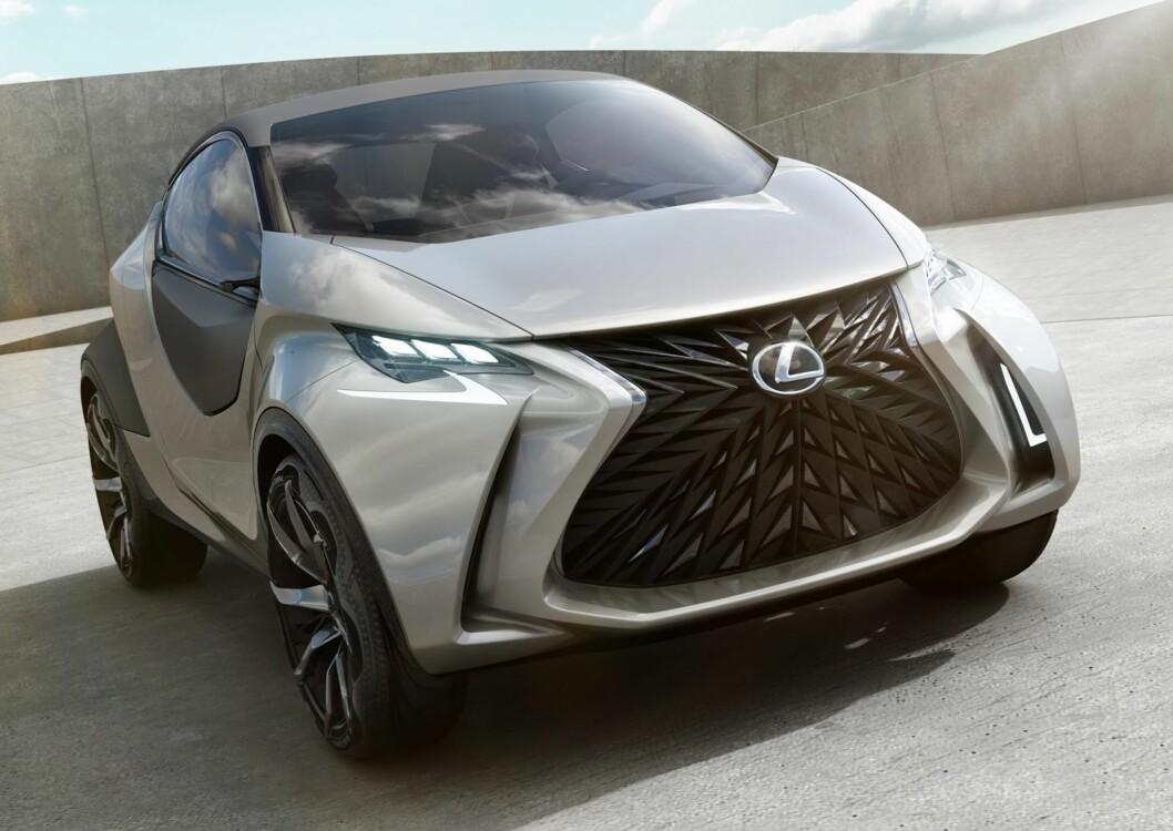 <strong><b>LEKKET FOR TIDLIG:</strong></b> Bildet avslører en bil som drar Lexus-designspråket enda lengre enn det vi kjenner fra SUV-en NX.  Foto: LEXUS