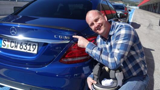 <strong><b>C63 S:</strong></b> Lær deg bokstavene. Dette er en racer forkledd som praktisk familiebil. Foto: RUNE M. NESHEIM