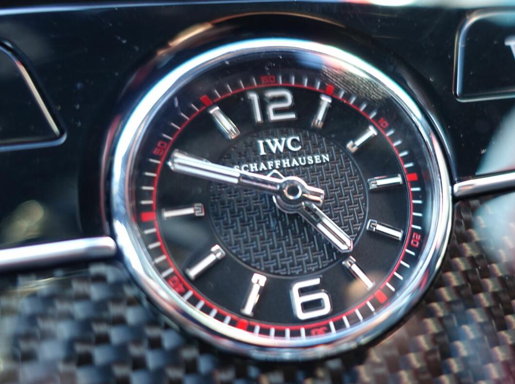 <strong><b>JÅLERI:</strong></b> IVC er eksklusive klokker. De finner de i Mercedes-Maybach også. Foto: RUNE M. NESHEIM